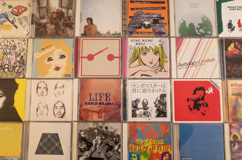 ディスクユニオン下北沢店の安売り棚とDENONのCDコンポ
